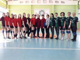 Первенство по волейболу среди женских команд.